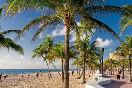 East Ft. Lauderdale Cozy Quiet Room - Fort Lauderdale