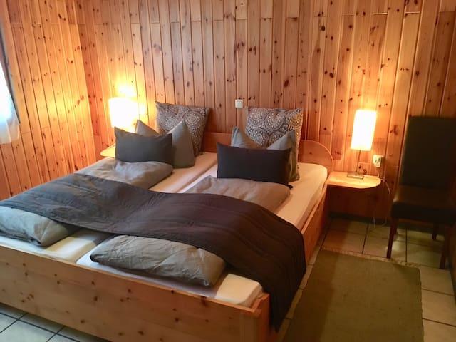 """Holzhaus """"Sverta"""" in der Eifel (Max 10 Pers.)"""