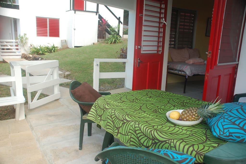 Outdoor area - patio garden with view