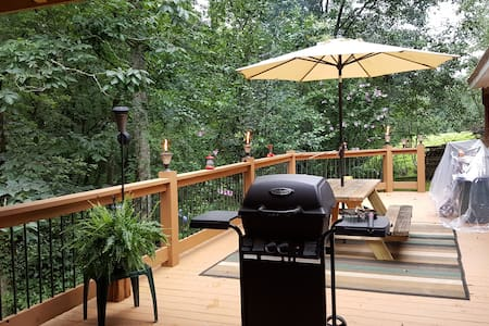 Tiger Creek Retreat, The cabin for you & your pets