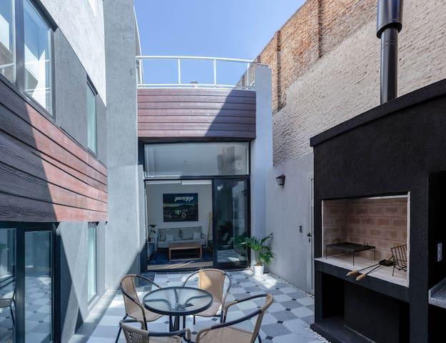 Fliphaus ✔️ALTO PALERMO! Patio, Terrace & Grill