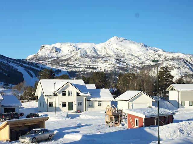 Hus på solsiden med 5 min til Hemsedal skisenter