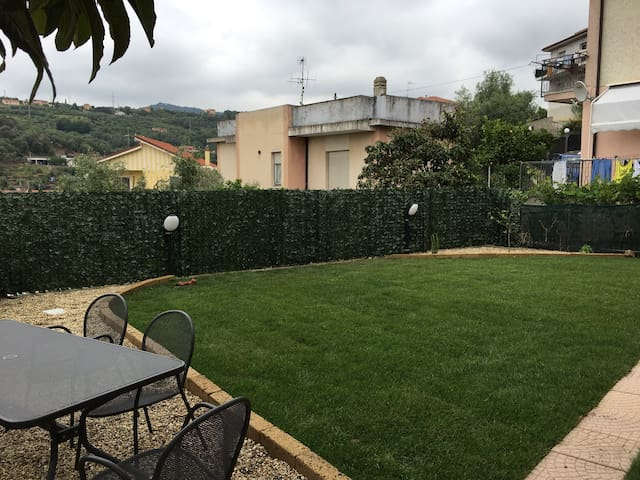 Appartamento monolocale - Diano San Pietro - Lägenhet