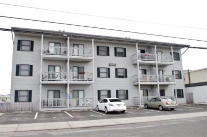 Sunny, comfortable 2bdrm condo in Seaside Heights