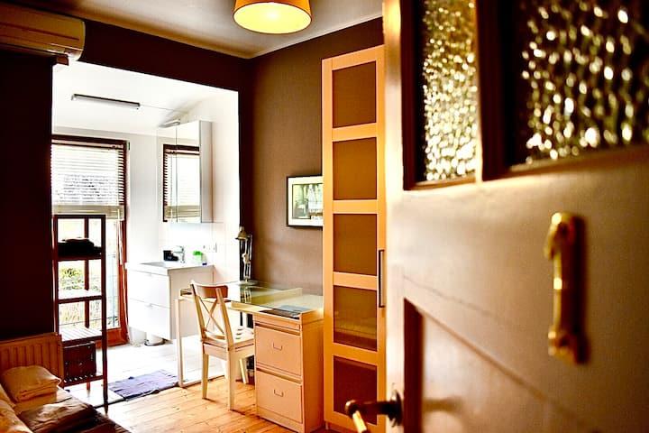 jolie chambre à louer/nice room to rent