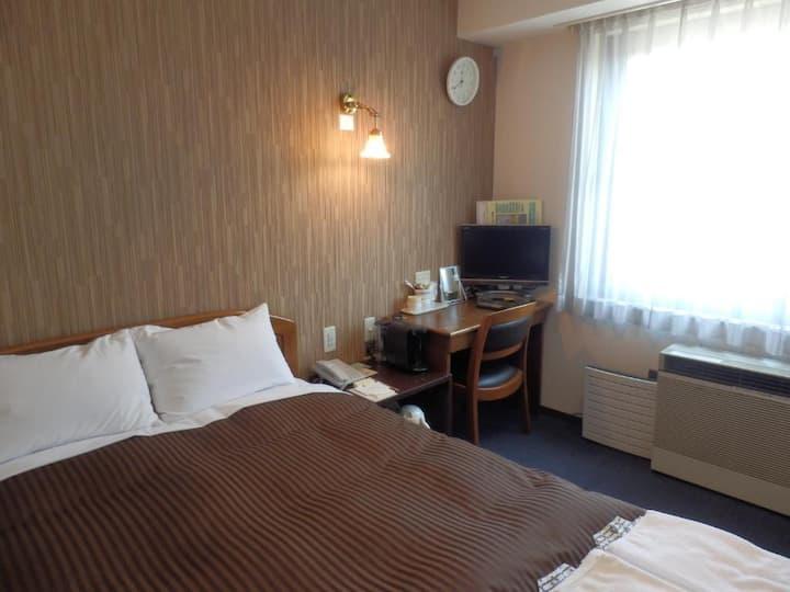 Semi-double room/Non-smoking/ Makuharihongo