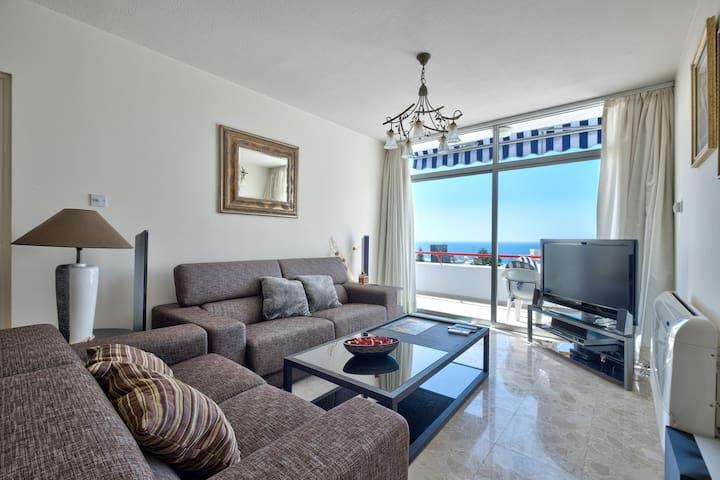 UC24 2 BR flat w/seaview - Agios Tychon - Apartemen