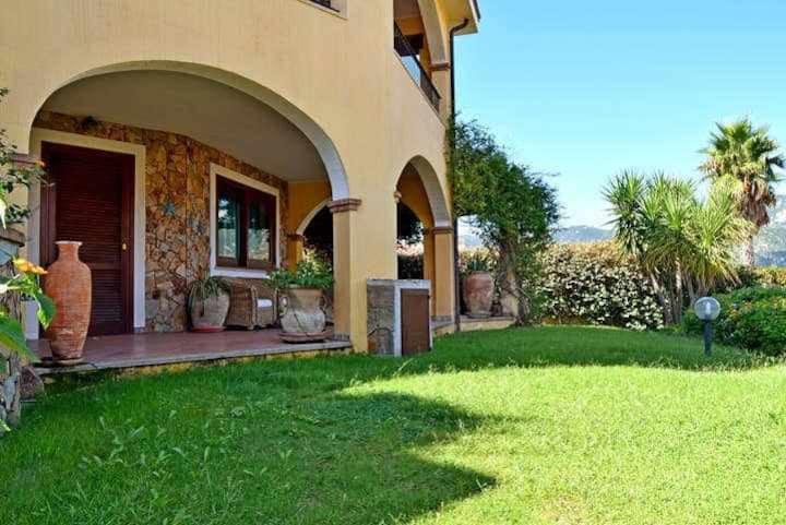 Casa Roma - Casa signorile con ampia veranda e giardino