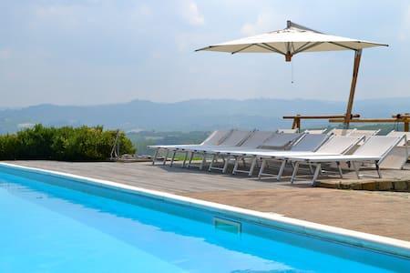 Villa privata con piscina Verduno - Verduno - วิลล่า