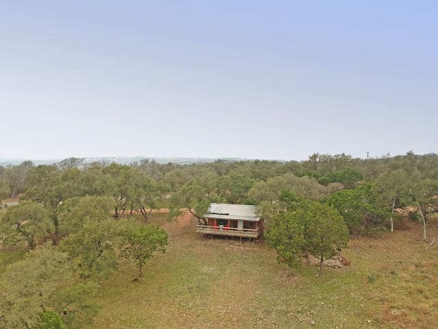 Lovely Studio Cabin+Stunning Hill Country Views