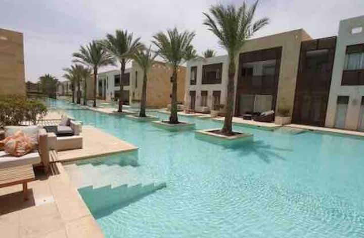 Large apt on the main pool, Scarab Club, El Gouna.