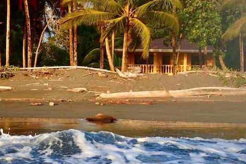 Beachfront Private Apartment: Best Swimming Area