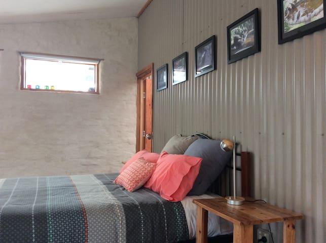 Studio bed space