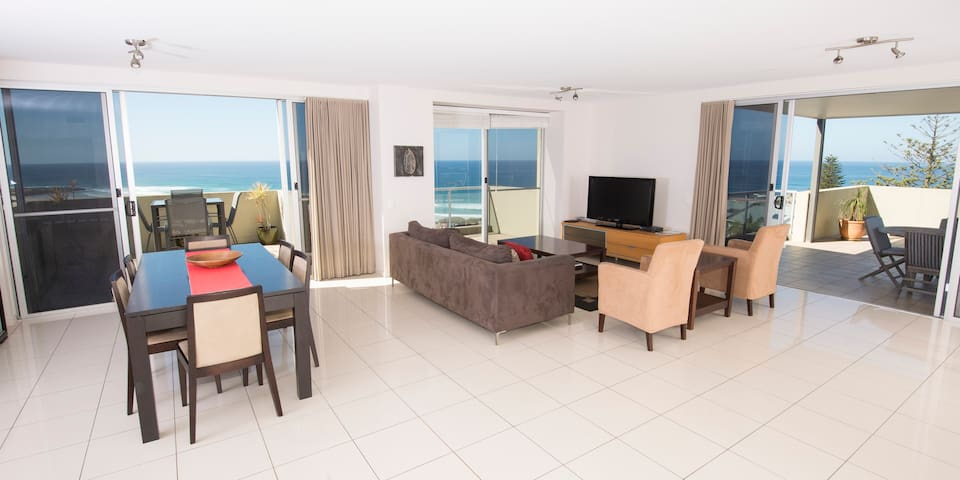 Luxury 3 bedroom penthouse - East Ballina - Apartment