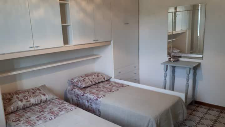Palombina - camera privata con due letti singoli
