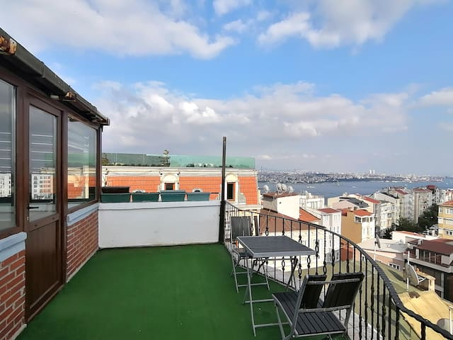 Great sea view penthouse in Istanbul Taksim