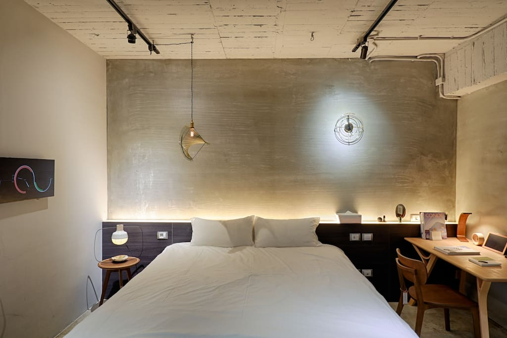 The 5-star hotel king-size bed that serves the best comfort