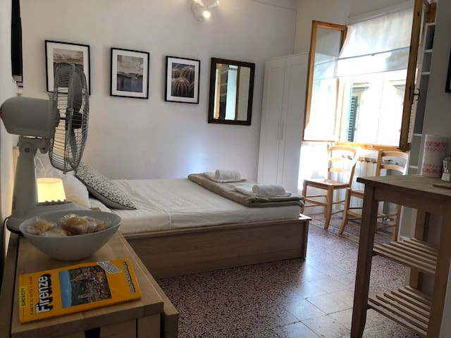 Beautiful Studio In The Heart Of Florence
