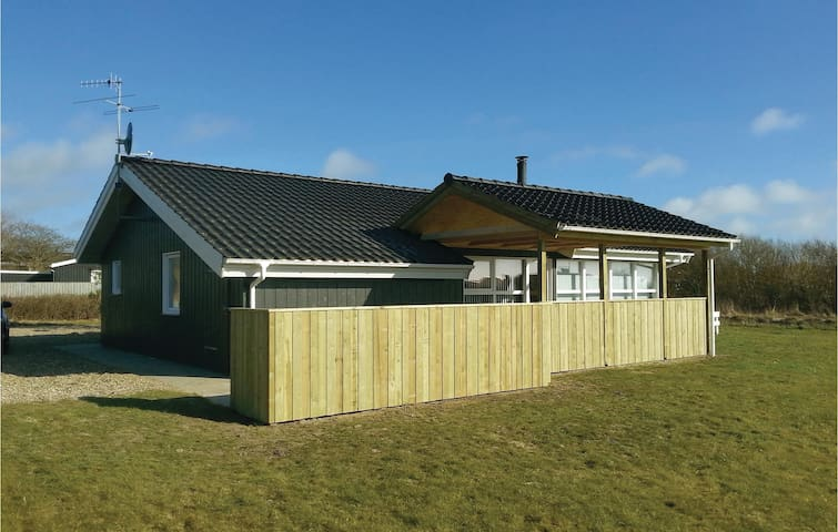 Holiday cottage with 3 bedrooms on 104 m² in Vestervig