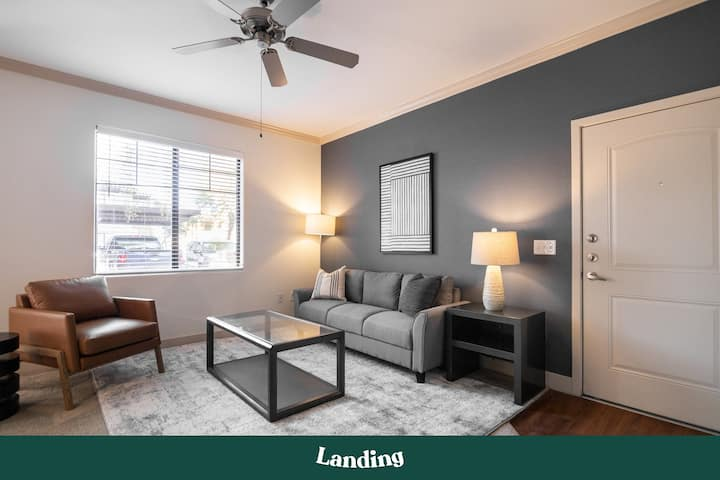 Landing | Modern Apartment with Amazing Amenities (ID4445)