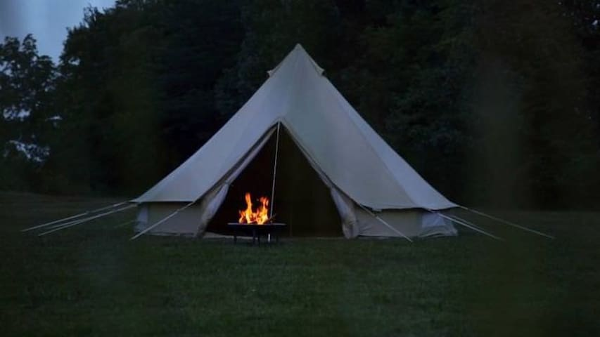 GLAMPING IT AT APPLE HILL ORCHARD by COLGATE LAKE - East Jewett - Tent