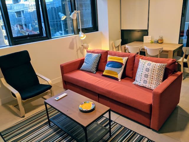 Parkside Modern stunning APT & Free WiFi & Parking