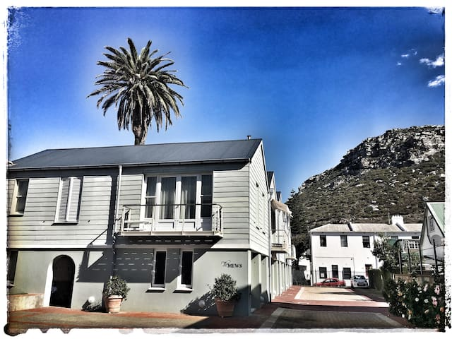 Awesome Kalk Bay Apartment