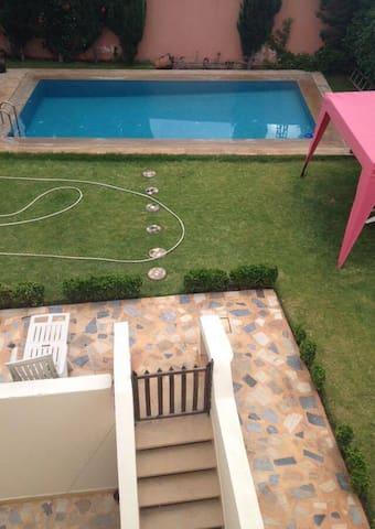 Belle chambre avec piscine et jardin - Casablanca - Rumah