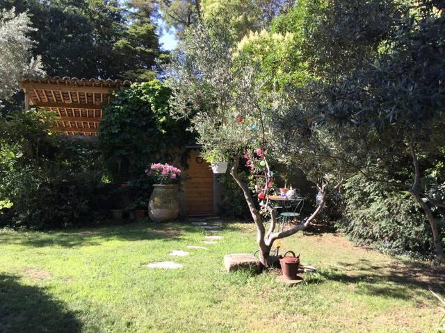 Le STUDIO côté jardin