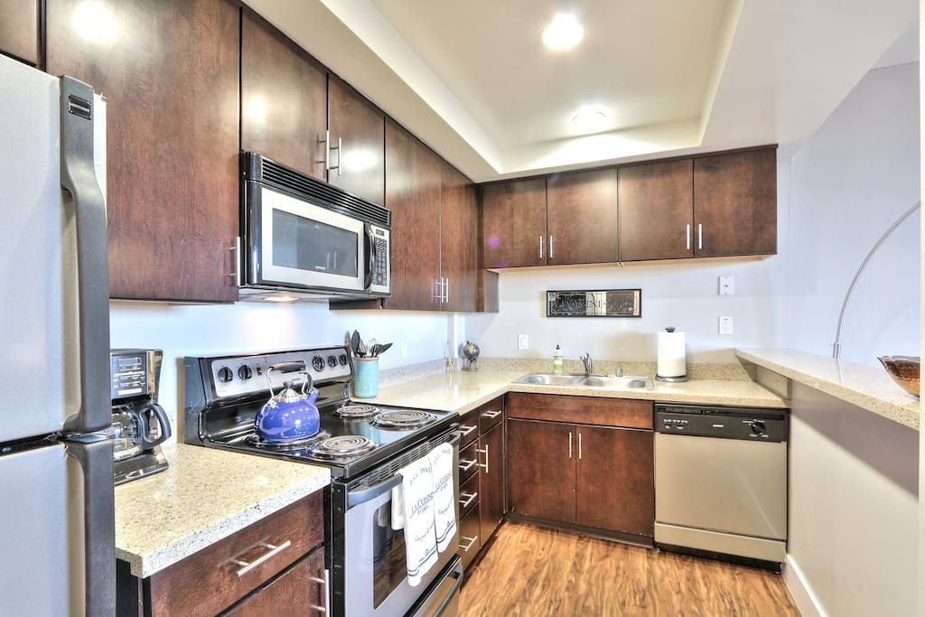 Fully Equipped Kitchen with all you need to Enjoy a Home-cooked Meal!