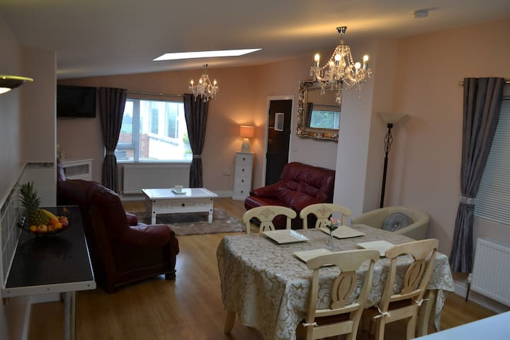 Cleomack View, Modern Getaway in the Mournes - Hilltown - Appartement