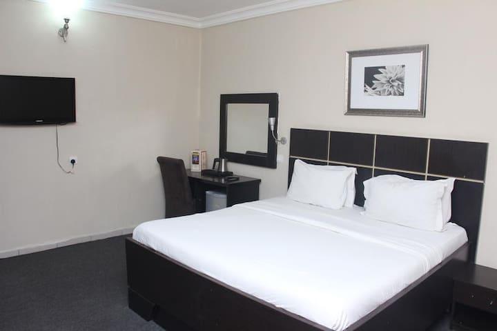 Bjorne Suites - Superior Room