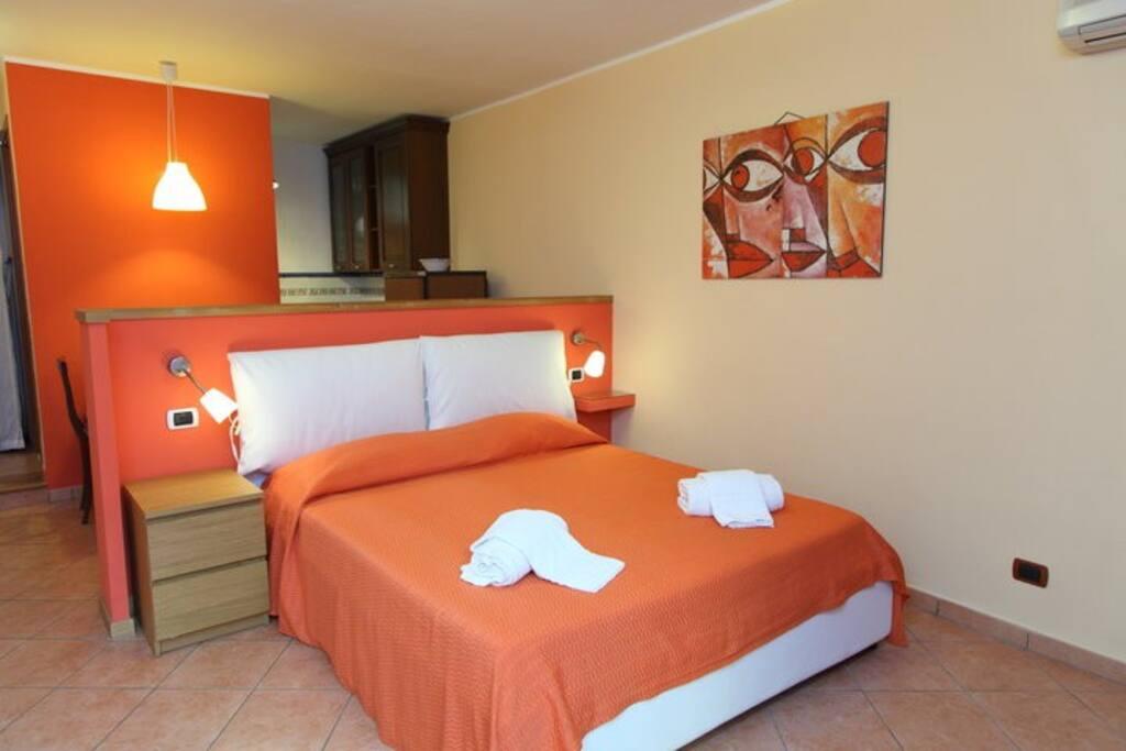 Casa giulia appartamenti in affitto a cefal sicilia for 5 piani casa mediterranea camera da letto