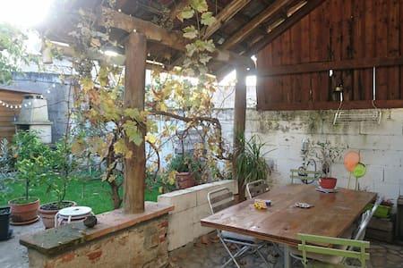 Chambre dans maison de centre ville - Gaillac - Casa