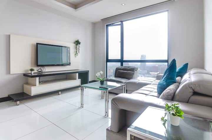 A Bright & Airy 2BR Suite in KL City