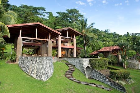 Beautiful Backwash Bay Villa - Puerto Jiménez