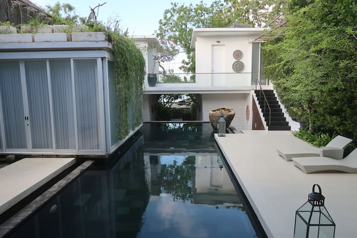 Terrace House in Jimbaran Room #3 (w/Breakfast)