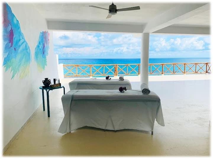 Ocean Drive Condo Hotel / Suite Mar