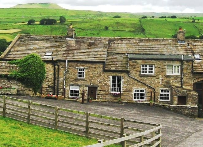 The Laithe @ Ingleby Lodge, Askrigg, Wensleydale