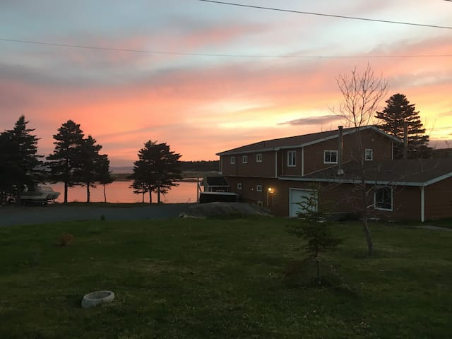 Lakeside Lodge, Lance Cove, CBS, NL - Conception Bay South - Natuur/eco-lodge