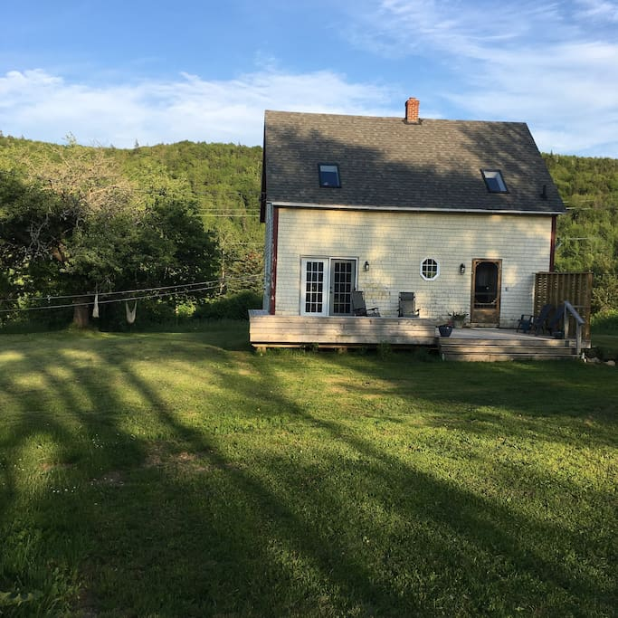 Back Houses For Rent: Rustic Cape Breton Charm