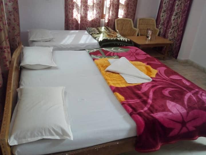 Two Bedrooms @ Pushkar - Budget Hotel