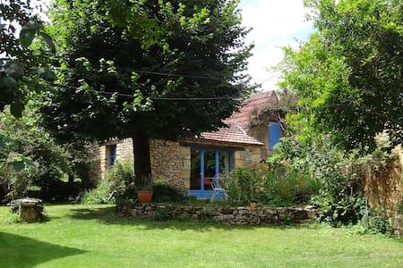 Cottage in a quiet hamlet in the Périgord Noir