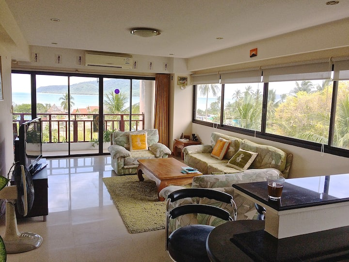 amazing seaview 125 M2 whith jacuzzi swimming pool