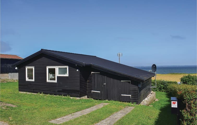 Holiday cottage with 2 bedrooms on 51m² in Tranekær