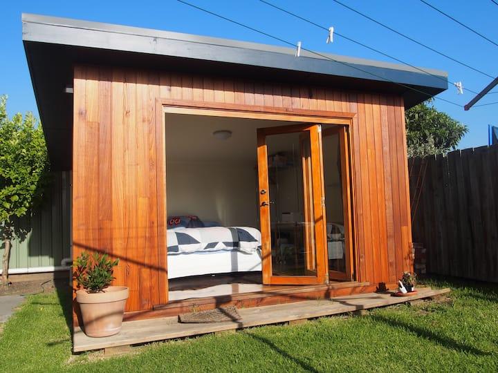 Cosy bungalow in garden setting