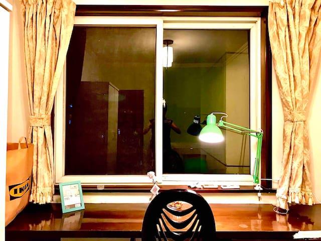 【Room 5】秦淮河夫子庙城市中心景观飘窗书房