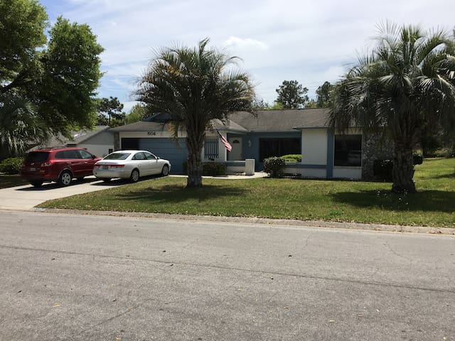 Spacious, Safe, Convenient 2/2 home - Lecanto - Hus