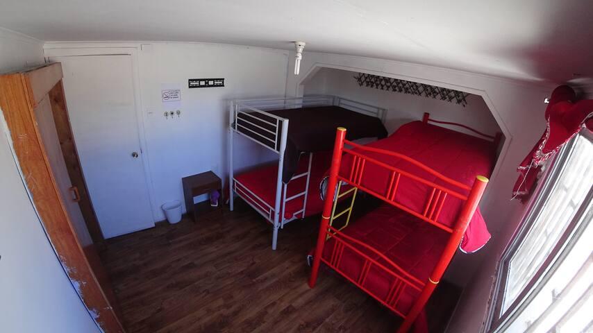 Habitación compartida mixta