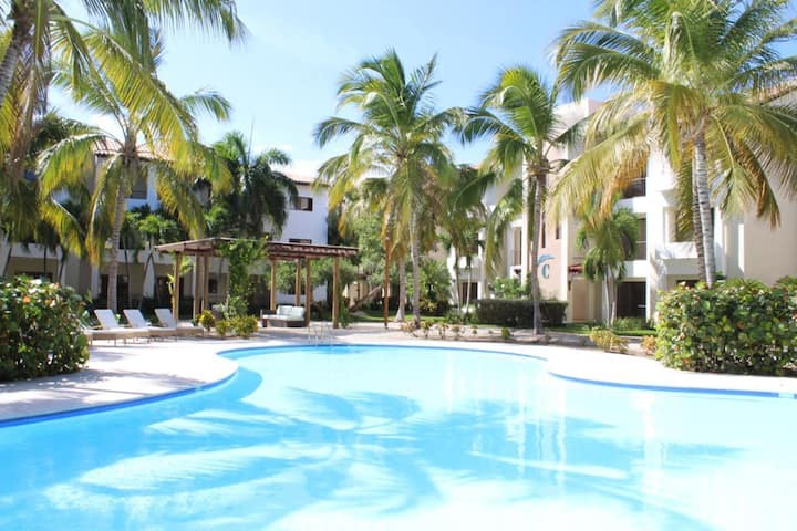 Cozy and relaxing 1 BR sleeps 2-6 guests w/ pool
